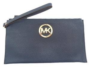 Michael Kors Handbag Lg Zip Cllutch Wristlet in Navy