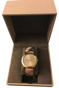 Burberry Burberry Leather band watch