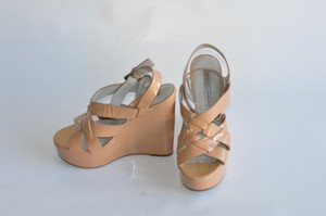 Vera Wang Lavender Label Poppy Platform beige Wedges