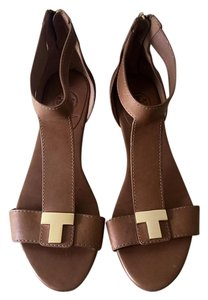 Tory Burch Leather Supple Gold Hardware Camel Sandals