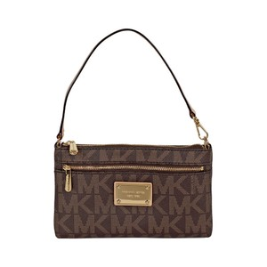 Michael Kors Large Jet Set Wristlet in Brown