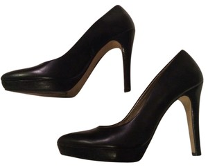 Nine West Classic Heel Heel Leather Black Pumps