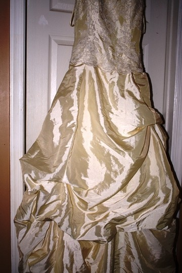 Buttercream Taffeta with Lace This Is A Custom Hand Made Gown Formal Dress Size 4 (S)