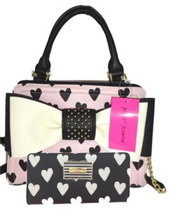 Betsey Johnson Cross Body Pink Satchel in BLUSH/black