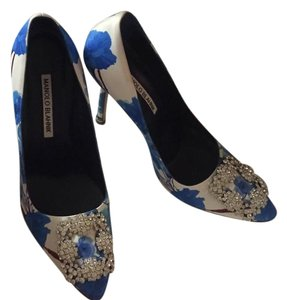 Manolo Blahnik blue and white Pumps