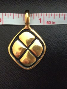 Chanel AUTHENTIC CHANEL RARE VINTAGE 18k GOLD PLATED CHARM