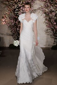 Oscar De La Renta 33n25 Wedding Dress