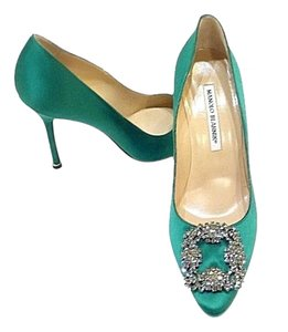 Manolo Blahnik New Hangis Emerald Green Pumps
