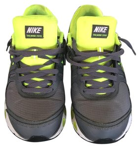 Nike Grey / Neon yellow Athletic
