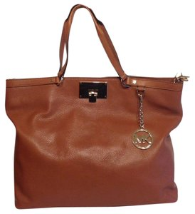 Michael Kors Channing Large Tote in Luggage