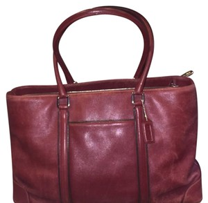 Coach Tote in Burgundy