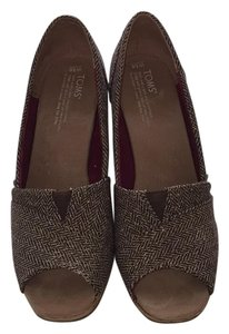 TOMS Brown tweed with gold Wedges