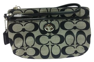 Coach F49175 49175 Wristlet in Black/White