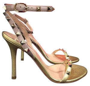 Valentino Rockstud Stud Ankle Wrap gold Pumps