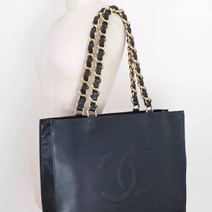 Chanel Vintage Leather Tote in black