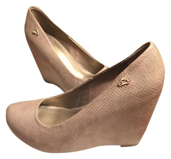 "Item - Taupe/Gold Textured ""Leather"" 4"" Wedges Size US 9 Regular (M, B)"