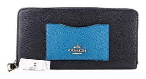 Coach * Coach Zipper Wallet