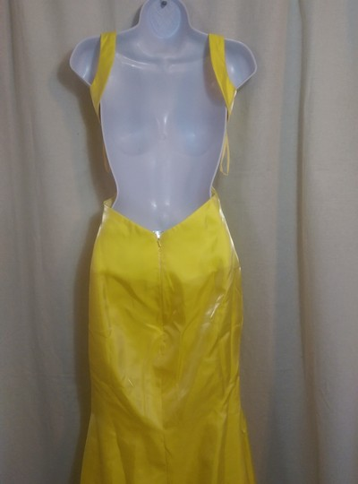 Yellow Satin/Polyester Open Back Hi Low Pre Owned Modern Wedding Dress Size 6 (S)