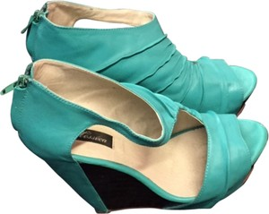 Messeca New York Leather Summer Platform Turquoise/Brown Wedges