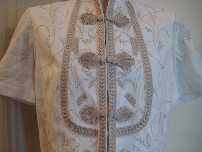 Elie Tahari Embroidered Top White & Taupe Image 2