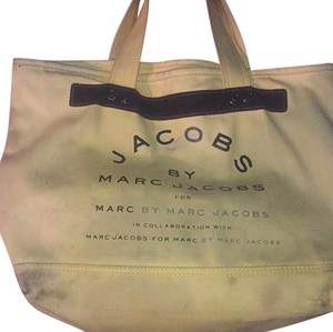 Marc Jacobs Tote in Yellow/black