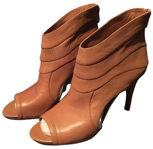 Vince Camuto Fudge Boots