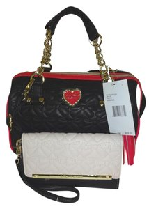 Betsey Johnson Medium Cross Body Satchel in black