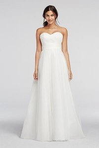 David's Bridal Strapless Sweetheart Tulle Wedding Dress Wedding Dress