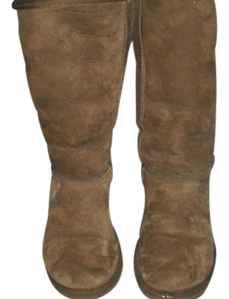 bb97013d005 UGG Australia Brown Classic Tall Uggs 5815 Boots/Booties Size US 9