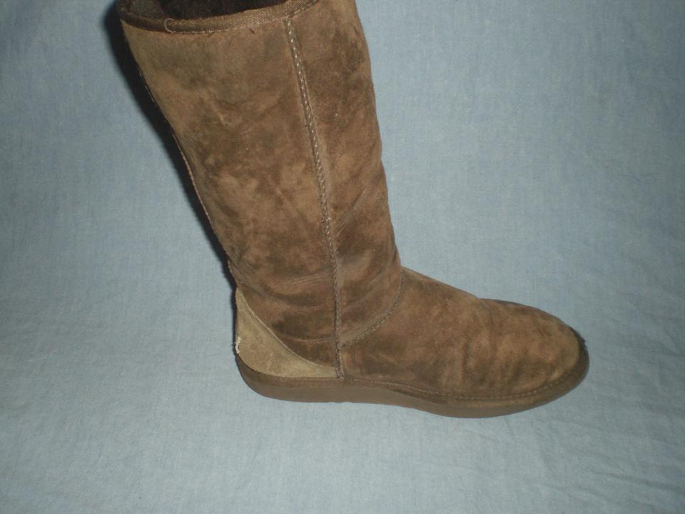 2798057ada0 UGG Australia Brown Classic Tall Uggs 5815 Boots/Booties Size US 9