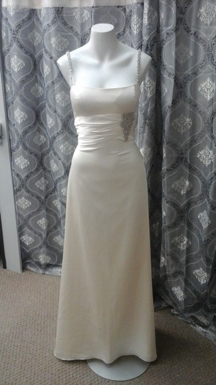 Winnie Couture Ivory Silk Charmeuse 2144 Wedding Dress Size 8 (M)