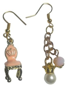 New Chair & Crown Charm Earrings Gold Pink J2896