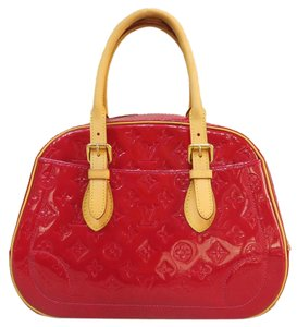 Louis Vuitton Lv Vernis Summit Drive Tote in red