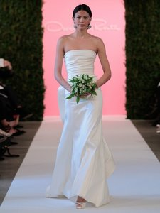 Oscar De La Renta Caroline Wedding Dress