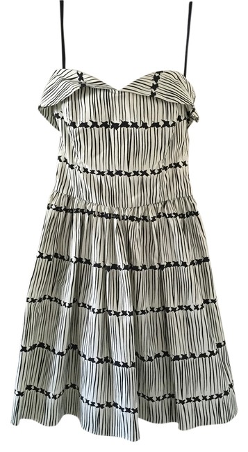 Preload https://item3.tradesy.com/images/marc-jacobs-dress-black-and-white-1948612-0-0.jpg?width=400&height=650