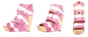 Messeca New York Pink Wedges