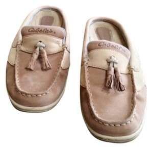 Cabela's Suede Tassels Non- Marking Soles Tan Mules