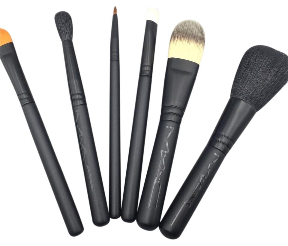 MAC Cosmetics MAC Look in a Box Basic Brush Kit Set Image 0 ...
