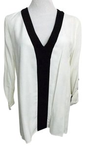 Zara Hi-lo Color V-neck Top Off White, Black