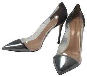 Gianvito Rossi Gray Pumps