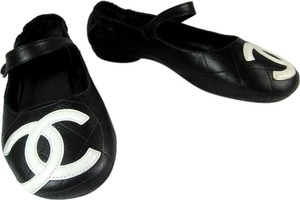 Chanel Cambon Black Leather Ballet Flats