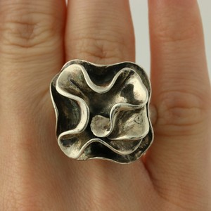 Silpada Chunky Silpada Flower Ring R1809 Sterling Silver 9.25 Floral Statement Retired