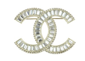Chanel F16 V Golden Crystal CC Brooch