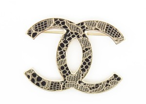 Chanel Chanel #5516R Large Lace CC Snakeskin imitation light gold logo Brooch