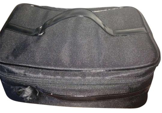 Preload https://item1.tradesy.com/images/black-and-red-lancome-makeup-train-case-cosmetic-bag-194970-0-0.jpg?width=440&height=440