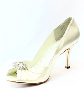 Benjamin Adams Classics Heels Pre-owned 3332-0292 Pumps