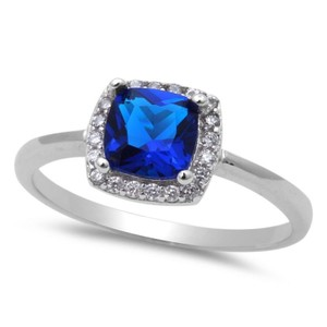 9.2.5 gorgeous blue and white sapphire cocktail ring size 7