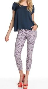 7 For All Mankind Capri/Cropped Pants Flaunt Geometric