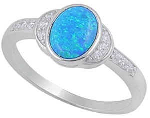 9.2.5 stunning blue fire opal and white topaz cocktail ring size 7