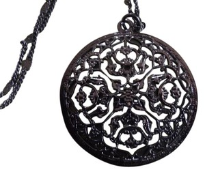 Other New Intricate Detailed Black Necklace